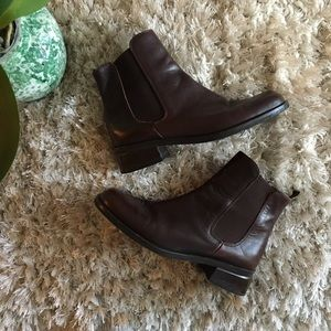 Coach • brown leather ankle boots